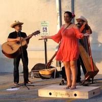 Farmers Market Concert: A Flor de Piel