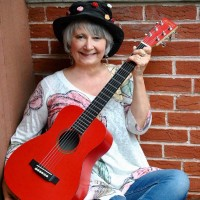 Farmers Market Concert: Jodi Koplin's Jigglejam