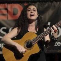Farmers Market Concert: Vivian Garcia