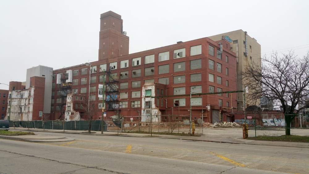 The abandoned Wrigley factory property at 35th and Ashland remains a source of neighborhood blight.