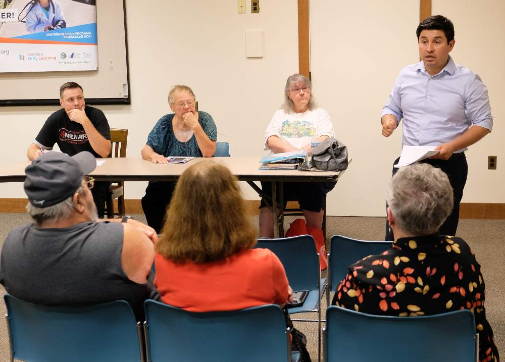 Ricardo Lopez of the Chicago Metropolitan Agency for Planning explains the neighborhood plan at the September 5, 2018, meeting of the McKinley Park Civic Association.